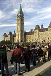 Lines of people waiting on Parliament Hill to pay their respects to the late Pierre Elliott Trudeau, October 1, 2000.